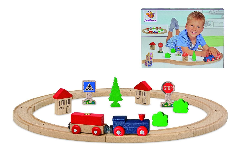 Spiel-Eisenbahn aus Holz