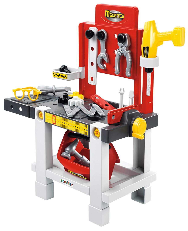 Werkzeugbank mit Bohrer